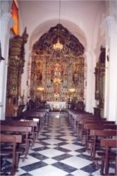 Iglesia vista desde el fondo