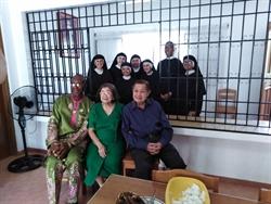 Con el Matrimonio Passia, bienhechores de la Fundación en Filipinas
